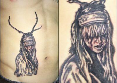 tetování na břicho